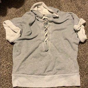T.LA short sleeve sweater L